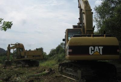 Limpieza del terreno con maquinaria